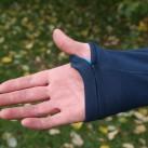 Daumenschlaufen halten die Jackenarm an Ort und Stelle.