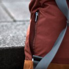 Kleine, außenliegende Reißverschlusstasche