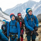 Breakout-Y Jacket: Unter die Kapuze passen Helm und Mütze locker darunter.