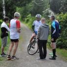 Team Otteryak wartet auf ihren letzten Läufer, während Jonny von der LG eXa schon fast im Ziel ist