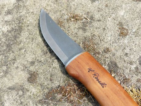 Funktionales Schneidwerkzeug aus Finnland – Messer von Heimo Roselli