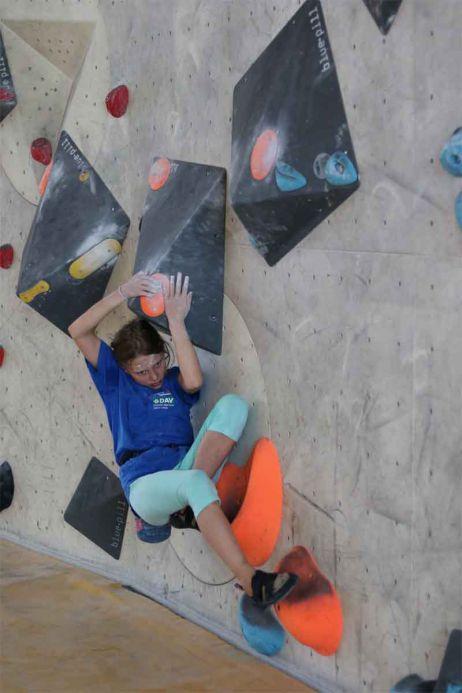 Neues vom Kletterkader des DAV Leipzig – Bilder vom Boulderwettkampf im Mandala