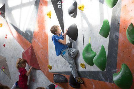 Neues vom DAV Kletterkader – Wettkampfbericht vom Heim-Bouldercup in Leipzig