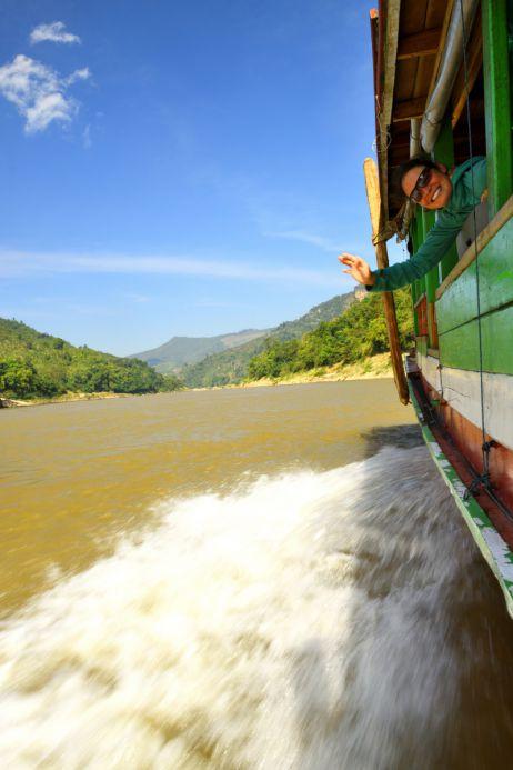 Fahrt über den Mekong nach Thailand