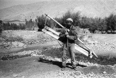 Bauer mit Werkzeug