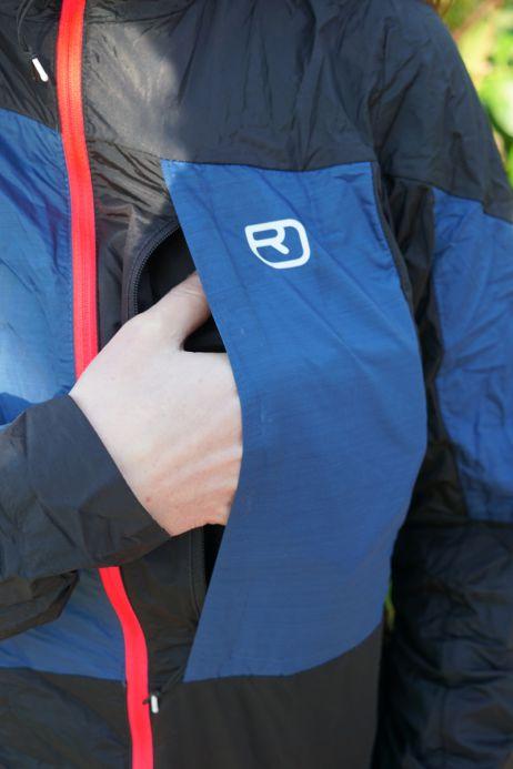 Ortovox Merino Windbreaker: große Brusttasche (dient auch als Stautasche für die Jacke)