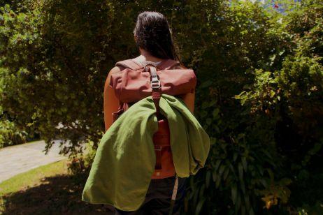 Praktisch: Am Rucksack lassen sich Handtuch & Co zum Trocknen befestigen