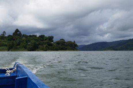 Rückweg vom Hotel auf einer Insel im Lake Bunyoni