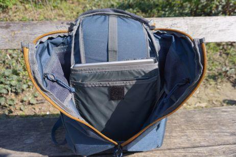 Der Rucksack lässt sich komplett öffnen