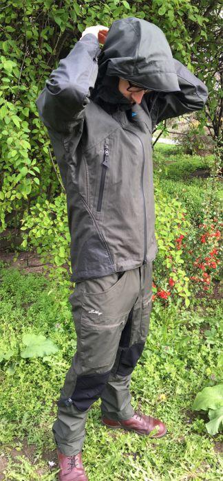 Einride Jacket von Klättermusen: hervorragend einstellbare Kapuze