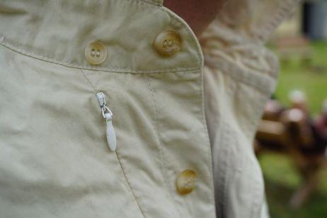 eanes shirt: die button-down-knoepfe lassen sich verdecken