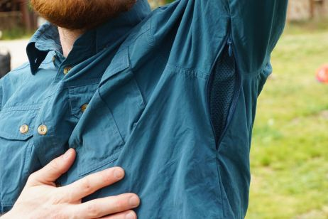 cabral shirt men: dezent angebrachte unterarmreissverschluesse