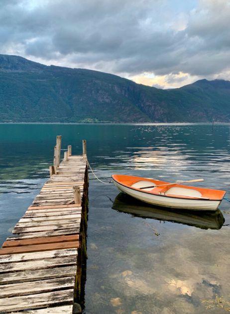Zeltplatz mit Boot