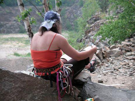 Klettern am Holzberg 2008, vom Wasser ist im Hintergrund noch nicht viel zu sehen. Das sieht 2 Jahre später schon ganz anders aus