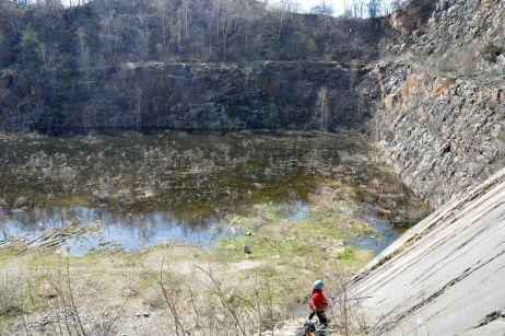 Klettern am Holzberg mit Blick auf das gestiegene Grundwasser 2010