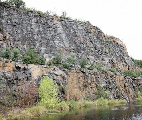 Lohnende Wände im Steinbruch am Holzberg