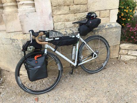 Radtaschen-Ausstattung für eine dreiwöchige Tour