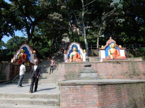 Am Fuße von Swayambunath