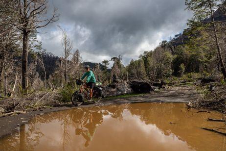 Schlammige Piste im Reserva Nacional China Muerta