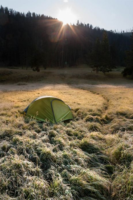 Sonnenaufgang mit Zelt