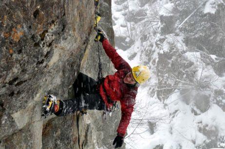 Sandra beim Mixed-Klettern
