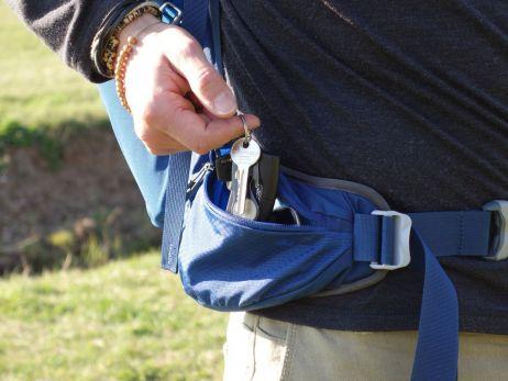 Zulu 40: In die Tasche am Hüftgurt passen Schlüssel ....