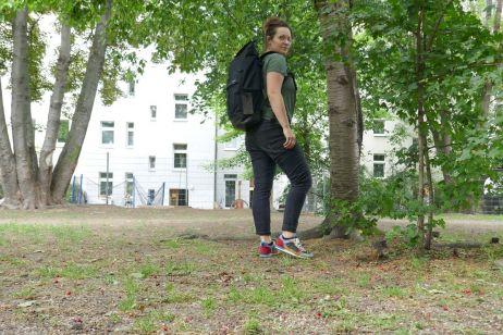 Unterwegs mit dem Alpine Sneaker Women in Leipzig