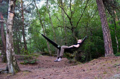 Abhängen und dem Wald lauschen