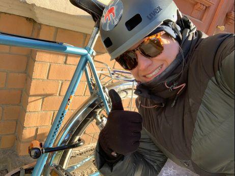Rockte den Asphalt: Radkurierin Laura bei Auslieferungen in Leipzig