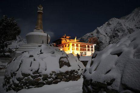 Eindrücke Nepal: Ein Kloster in den Bergen
